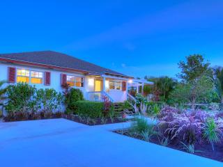 Beautiful Island Cottage sleeps 8! Opposite Ocean! - Nassau vacation rentals