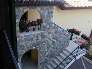 Il Castello - Puegnago sul Garda vacation rentals