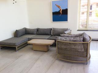 Artist studio cum residential in artist village - Uttar Pradesh vacation rentals