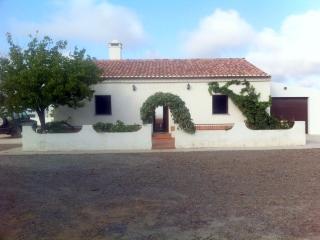 MONTE PEREIRINHO - Ourique vacation rentals