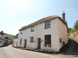 Thyme Cottage, Dunster - Sleeps 6 - Exmoor National Park - Medieval Village - Dunster vacation rentals