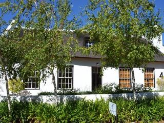 Luxury thatched cottage & pool - Franschhoek vacation rentals