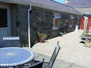 Converted Barn nr Beach, Snowdonia & Caernarfon - Caernarfon vacation rentals