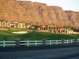Beautiful Crescent Bar Vacation Homes - Quincy vacation rentals