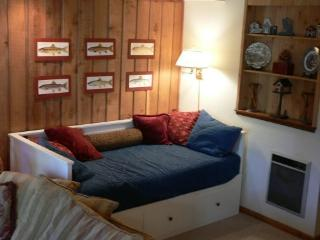 The Pines -- A Fun Mammoth Condo Near The Village - High Sierra vacation rentals