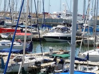 Marina appt. 50 + 10 sq.m. Balcony Yachts+Pool+Gim - Herzlia vacation rentals