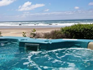 Lincoln City Oceanfront w/ Hot tub & beach access - Neskowin vacation rentals