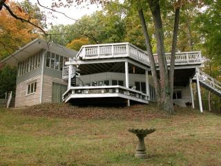 WATERFRONT HOME ON LAKE MONROE - Bloomington vacation rentals