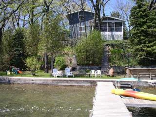 Twin lakes Lakefront Home w/ pier(1.5hr from Chgo) - Twin Lakes vacation rentals