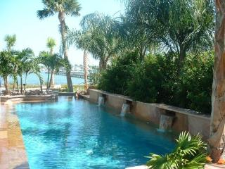 LITTLE BAY CLUB ON THE BAY IN HISTORIC ROCKPORT TX - Rockport vacation rentals