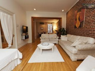 Downtown Very Large Two-Storey Luxury Family apt - Montreal vacation rentals