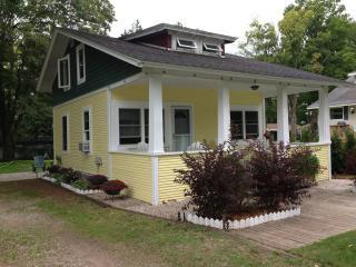 Walloon Lake Cottage 3 bdr/1.5 bath - Walloon Lake vacation rentals