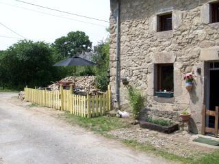 la petite maison montberger - Chenerailles vacation rentals
