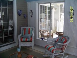 The Bush Compound in Kennebunk! PET FRIENDLY - Southern Coast vacation rentals