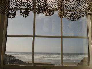 Beach Side English Boarding Rooms/Vacation Rental/ - Newport vacation rentals
