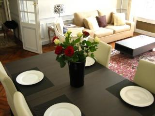 Beautiful Apt. in the Heart of Paris - 7th Arrondissement Palais-Bourbon vacation rentals