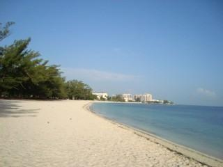 AFFORDABLE EXECUTIVE TOWNHOUSE: 8TH NIGHT FREE! - Nassau vacation rentals
