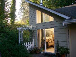 Kellerman Creek B&B Studio Cottage near beaches - Bainbridge Island vacation rentals