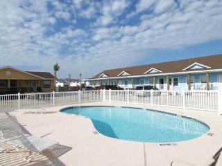 Brand New! Nice 2/2 w Sparkling Pool Close 2 Beach - Port Aransas vacation rentals