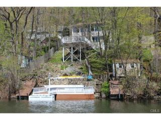 Beautiful Lake Candlewood Cottage - New Preston vacation rentals