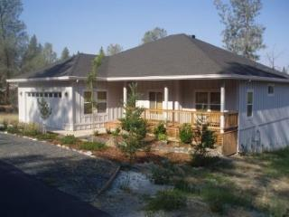 Spacious New Home in Forest Meadows Golf Resort - Murphys vacation rentals