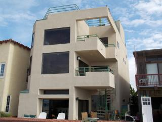 LUXURIOUS OCEANFRONT HOME AND GUEST SUITE ! - Hermosa Beach vacation rentals
