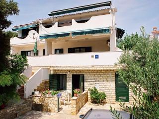 Apartments TeaTom-Kaurloto 6+2 - Mandre vacation rentals