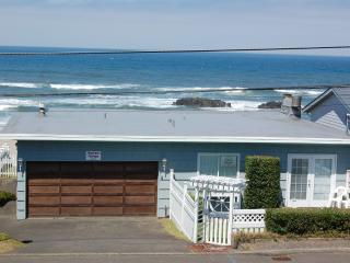 Ocean front cottage with wondrful views - Lincoln City vacation rentals