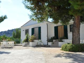 Case Vacanze L'Uliveto - Mattinata vacation rentals
