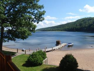Beautiful cottage hide-a-way on inland lake! - Brimley vacation rentals
