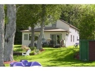 3 bedroom cottage on Lake Seymour - West Charleston vacation rentals