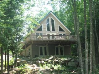 Lake front Cottage - Mid-Coast and Islands vacation rentals
