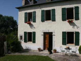 La Maison aux Volets Verts - Oloron-Sainte-Marie vacation rentals
