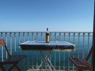 The house on the rocks - Cefalu vacation rentals