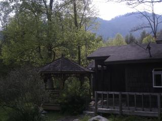 Breathtaking mountain views, private pond! - Highlands vacation rentals