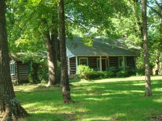 Nature Lover's Retreat with private pool - Murfreesboro vacation rentals