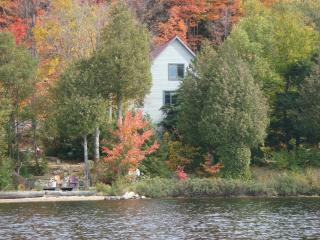 On the waterfront of Four Mile Lake North Bay - Callander vacation rentals