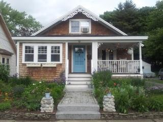 1924 Charming Bungalow in beautiful Seacoast NH! - North Hampton vacation rentals