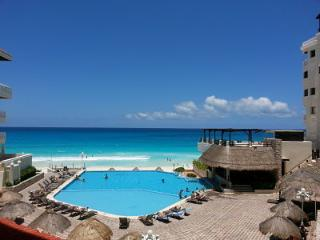 Cancun Plaza Condominium - Cancun vacation rentals