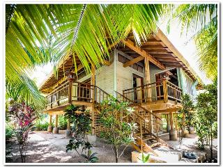 Tropical Garden Villa - 300' From Beach - Sleeps 6 - Roatan vacation rentals