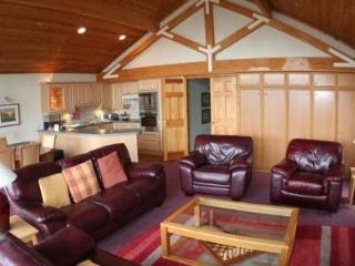 Lux 5* Lodge for 6, Loch Lomond, Scotland - West Dunbartonshire vacation rentals