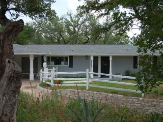 Renovated Home Near Downtown Glen Rose W/ Screened Porch - Plus Dinner for Two! - Glen Rose vacation rentals