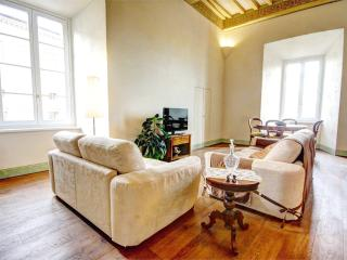 Elegant 2 bedroom apartment in historic Siena residence, situated on main city street - Siena vacation rentals