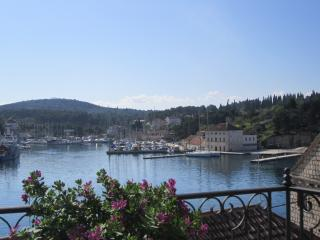 Milna 304 Apartment - Cove Makarac (Milna) vacation rentals