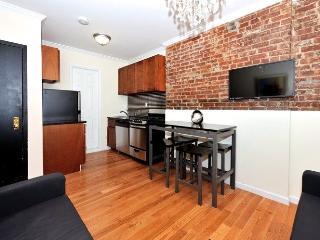 Modern 2 Bedroom in Manhattan - Manhattan vacation rentals