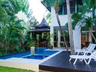 Free cooking lesson Jomtien Beach Villa sleeps 10 - Jomtien Beach vacation rentals