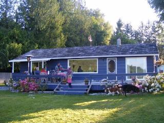 Lakeside Cottage at Shawnigan Lake (near Victoria, - Shawnigan Lake vacation rentals
