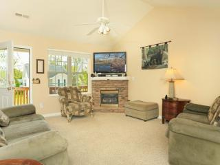 Half Mile from Parkway, 10 Minutes from Dollywood - Pigeon Forge vacation rentals