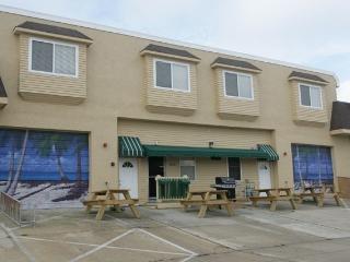 BRAND NEW VACATION TOWNHOUSE--SLEEPS 14! - Wildwood vacation rentals