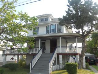 5BR Queen Anne Victorian Great for Families - North Wildwood vacation rentals